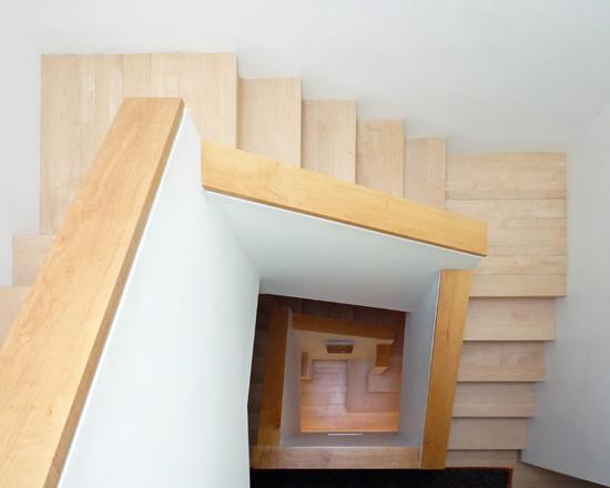 Pozor, schod-d-d-d! - Ulita zo schodov. :)