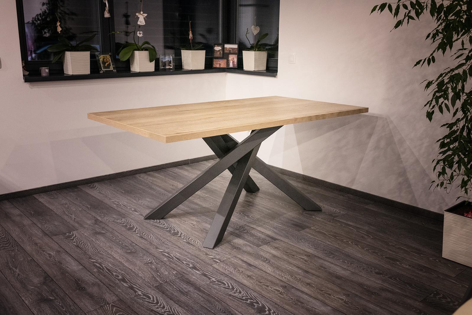 Jedálensky stôl - Obrázok č. 1