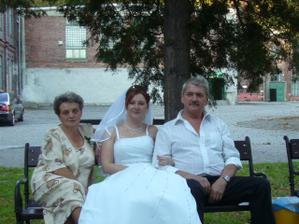 nevěsta s rodiči Libou a Ivanem