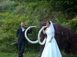 muž ulovil mamuta ...