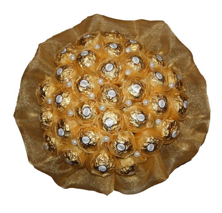 Svadobná výzdoba inšpirácie - Gratulačná Sladká kytica z bonbónov Ferrero :)
