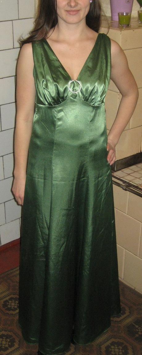 Saténové spoločenské šaty č.38-40 - Obrázok č. 1