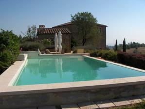 tu trávime naše najkrajšie dni :) víkendový dom mojich svokrovcov...(taký bazén chcem aj ja!!) :D:D