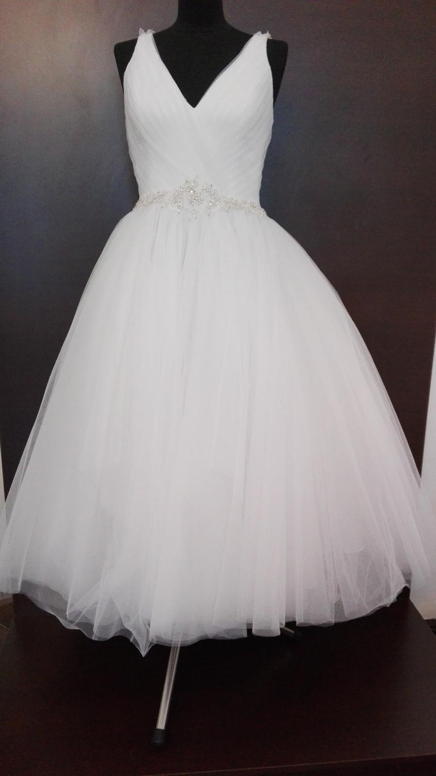 9fdcd2bafceb ... centre Angelo Prešov si môžete krátke svadobné šaty požičať