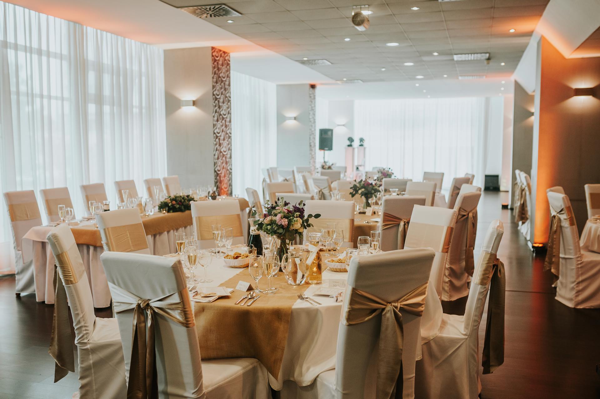 Opatrenia sa pomaličky uvoľňujú a vy ešte nemáte priestor na Vašu svadobnú hostinu? Maranello-ristorante je to ideálne miesto! Kontaktujte nás mailom na info@maranello-ristorante.sk alebo na tel.č.0948080180 - Obrázok č. 3