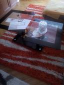 sklenený konferenčný stolík,