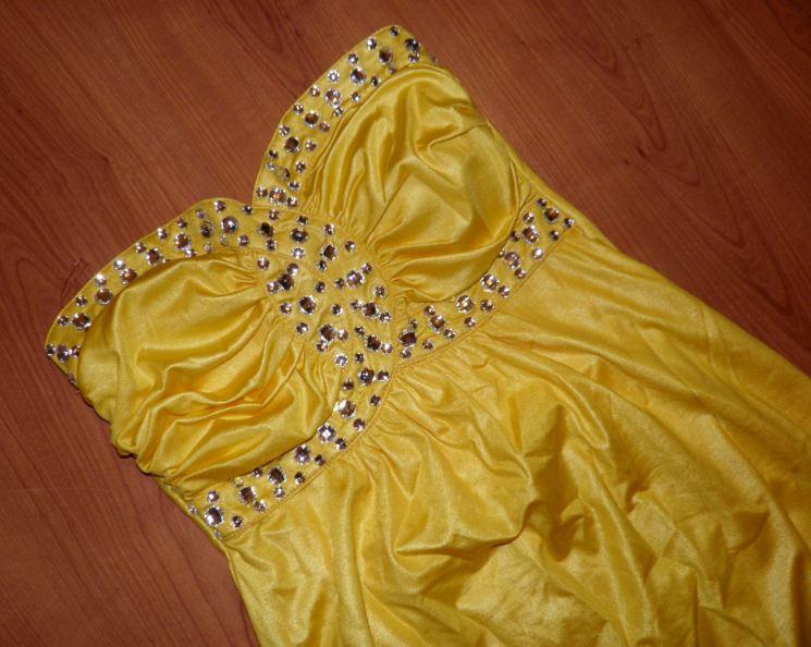 Sexi žlté šaty - Obrázok č. 1