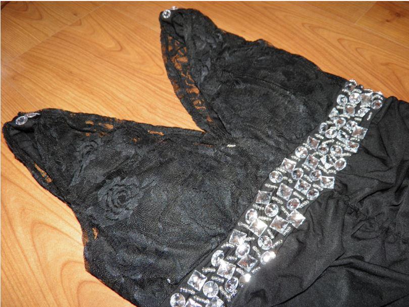 Malé čierne šaty - M - Obrázok č. 1