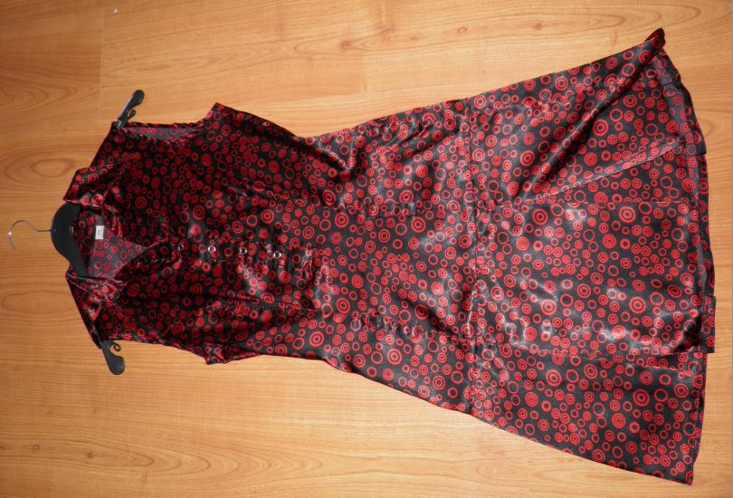 červeno-čierne šaty XS/S - Obrázok č. 1