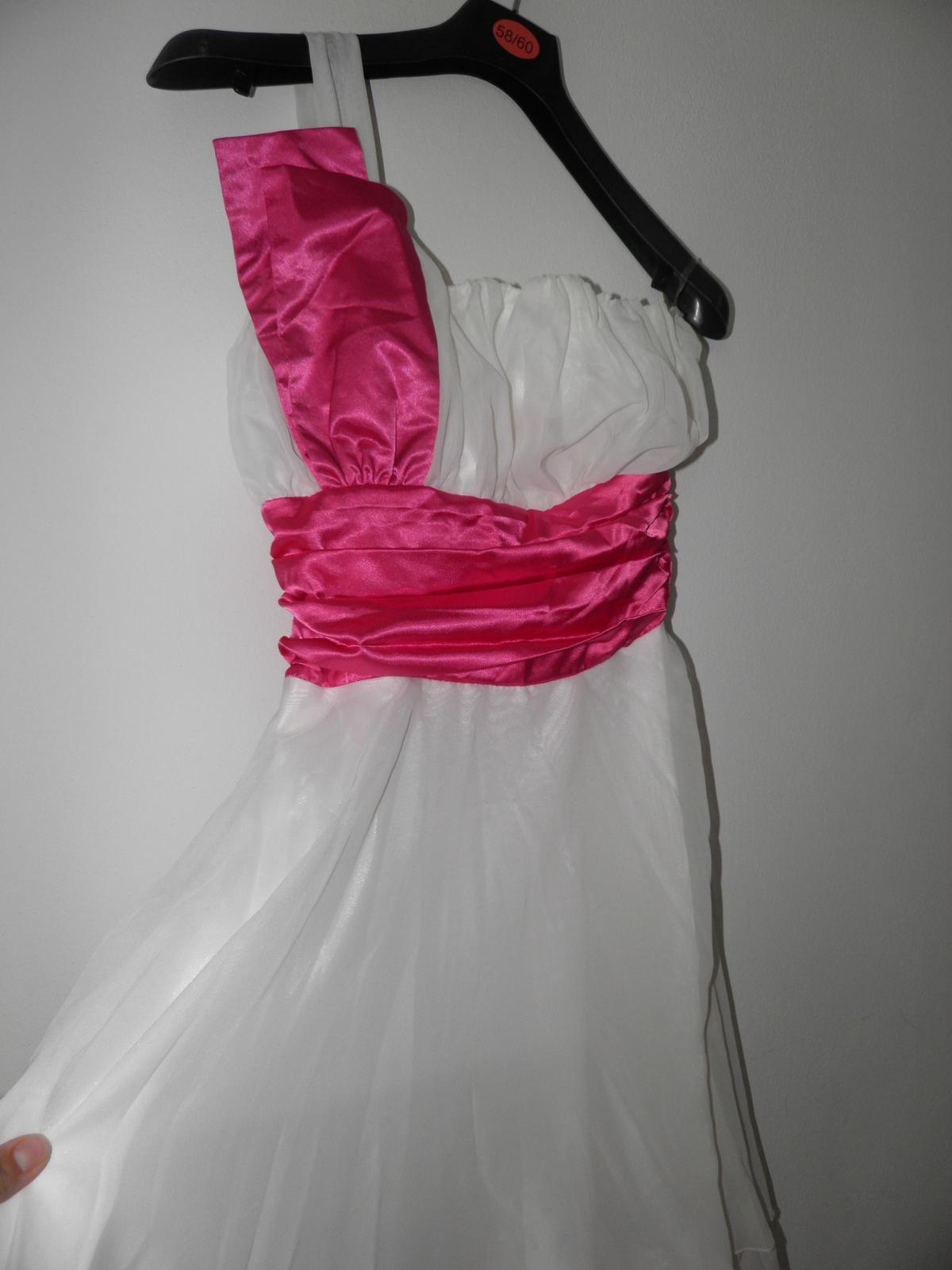 nenosené princeznovské šaty  - Obrázok č. 3