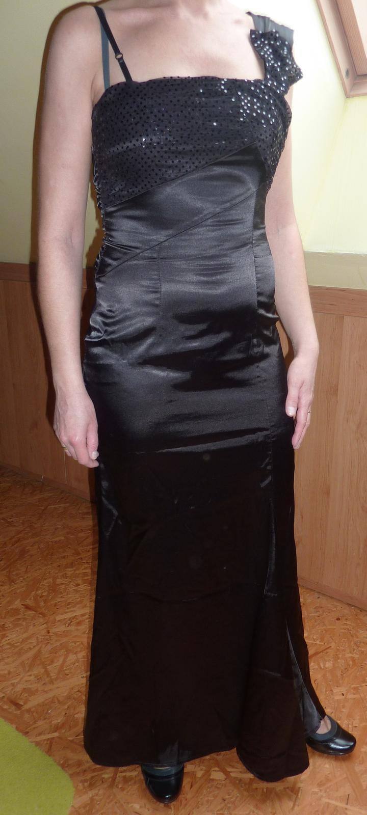 Talianske značkové šaty Rinascimente - Obrázok č. 1