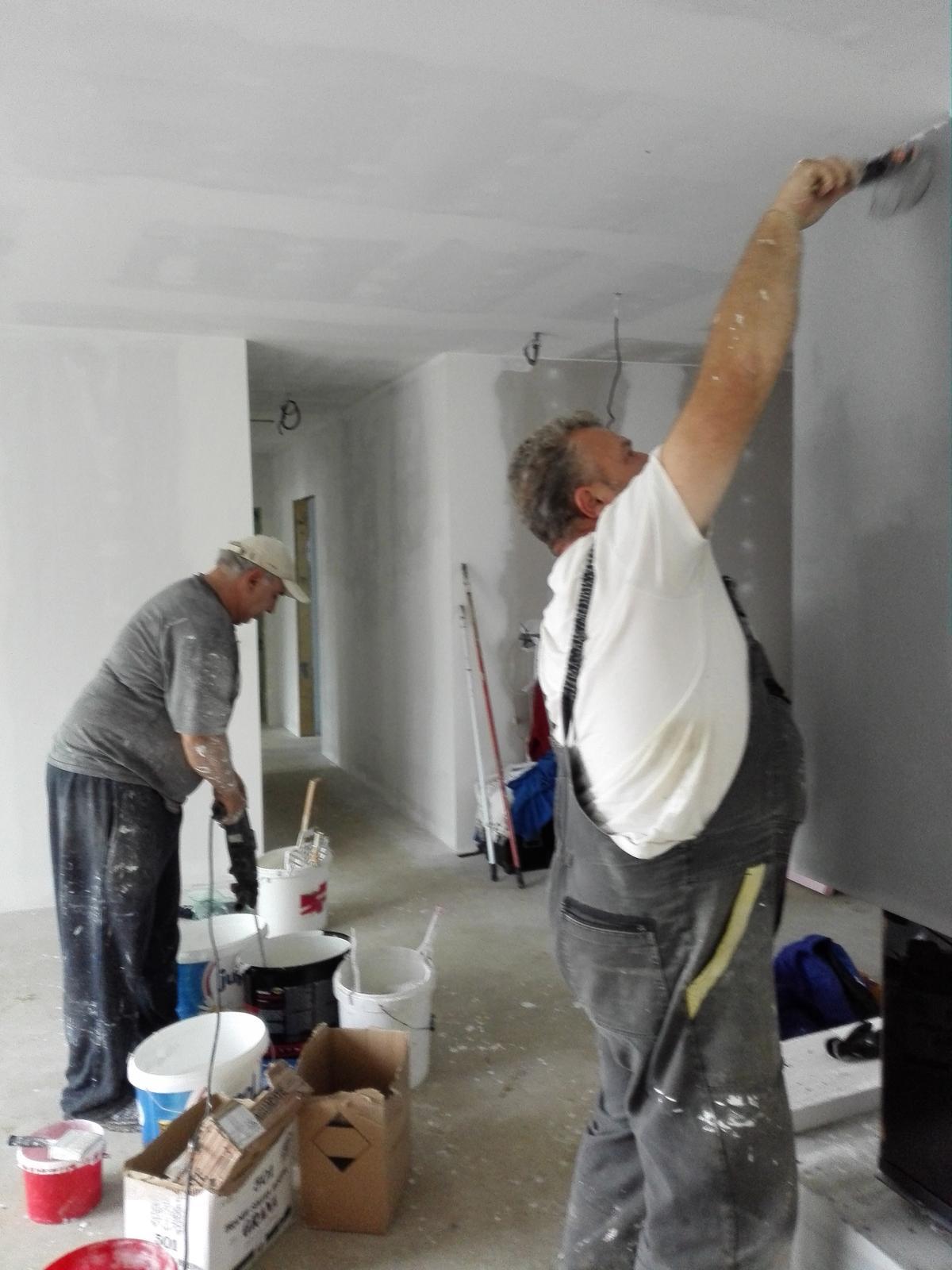 Keď si zmyslíme stavať dom - maľujeme
