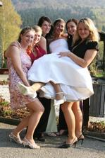 Kamarádky z výšky, hned další nevěsty :-)
