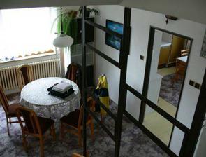 2. podlažie - jedáleň a kychyňa