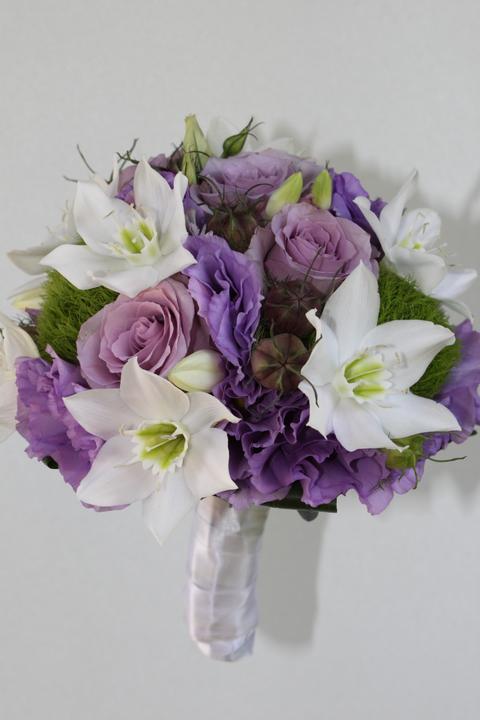 Svatební kytice kulaté - Obrázek č. 13