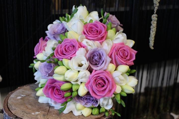 Svatební kytice kulaté - Obrázek č. 15