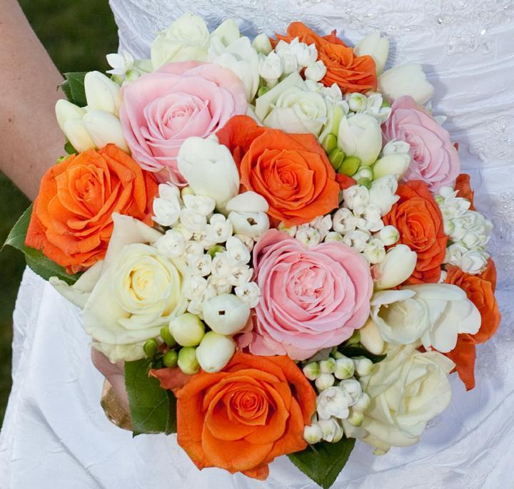 Svatební kytice kulaté - Obrázek č. 9