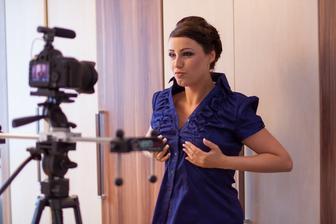 Sranda při natáčení svatebního videoklipu musela být - aneb přípravy u nevěsty doma :-)