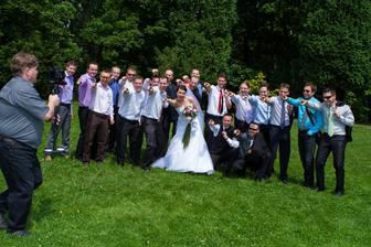Při  natáčení svatebního videoklipu.