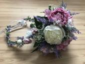 Věneček a svatební kytice,