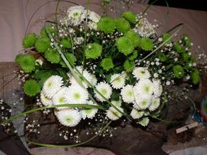 naša ikebana...ďakujem mojej polovičke a kamoške Karinke za vyhotovenie :)