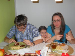 A tady jsme všichni sourozenci: já, bratr Jakub a sestra Anna