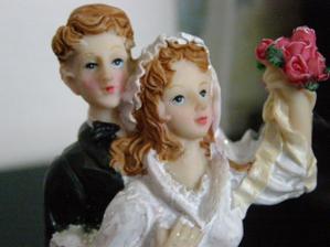 svatebním dortu