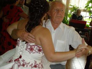 s dědouškem mojim vedl mě i na radnici