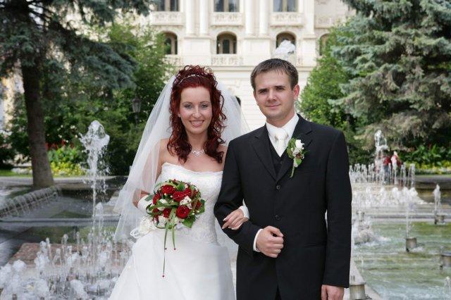 Lucia{{_AND_}}Milan - kto by nevedel, tak to je pri veľkej fontáne v Košiciach :-)