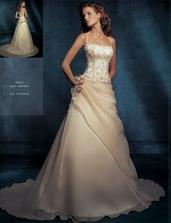 ale tieto vyhrali... moje svadobné šaty :-)