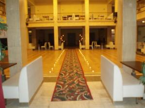 vstup do svadobnej sály, čistá romantika :-)
