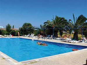 hotelový bazén, voda bola fajnová :-)