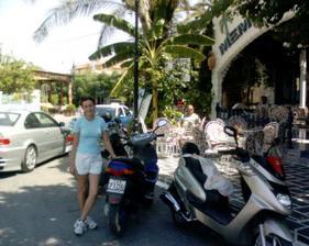 na motorke sme prešli celý ostrov, bola to paráda :-)