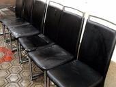 6 kusov jedálenských stoličiek,