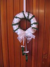 můj výtvor:-),věneček na dveře