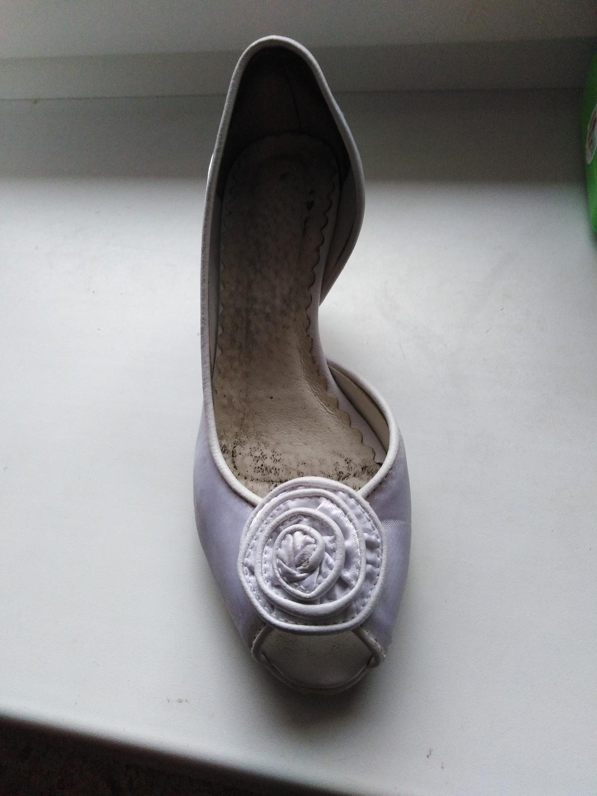 Darujem svadobné topanky  - Obrázok č. 3