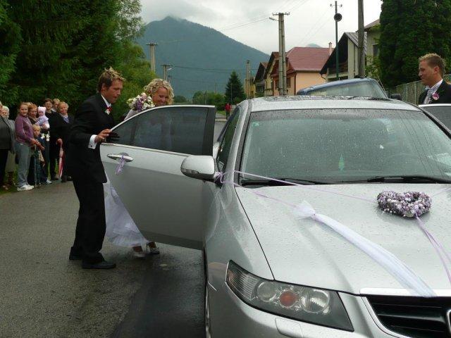 Lenka Droppova{{_AND_}}Martin Krcho - nase auto