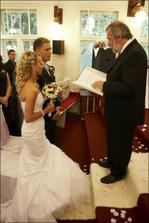 svadobny obrad a kazatel