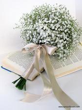 Vytoužená kytice pro mé 4družičky a svědkyni.. :-) akorát bude bílá stuha
