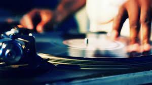 Máme DJ! Konečně :´)