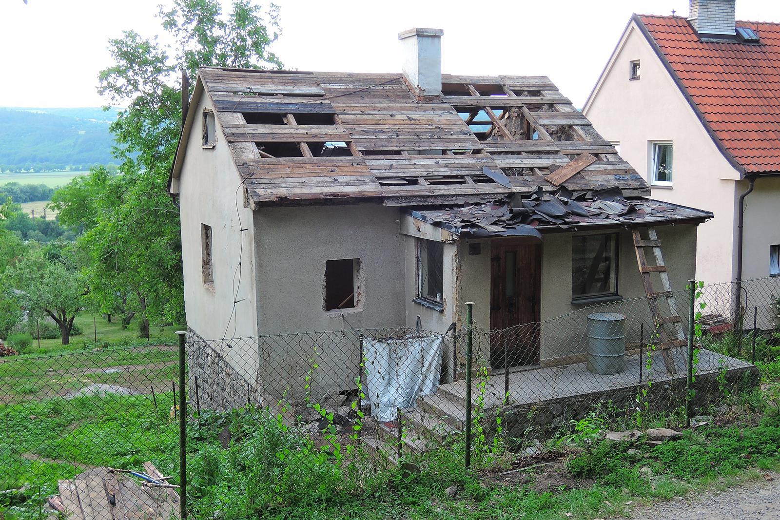 Stavba našeho bungalovu ve svahu - Obrázek č. 7