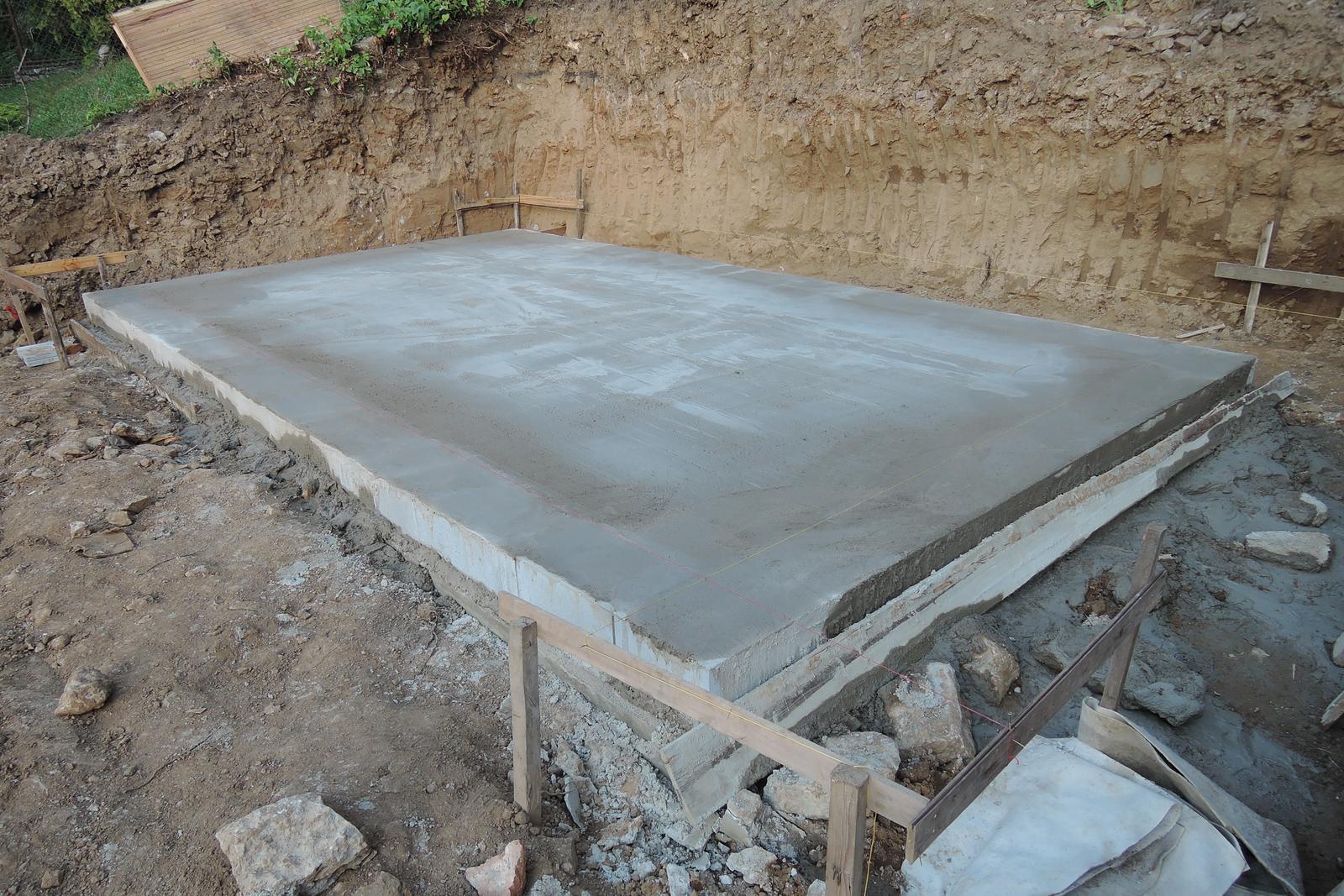 Stavba našeho bungalovu ve svahu - Obrázek č. 14