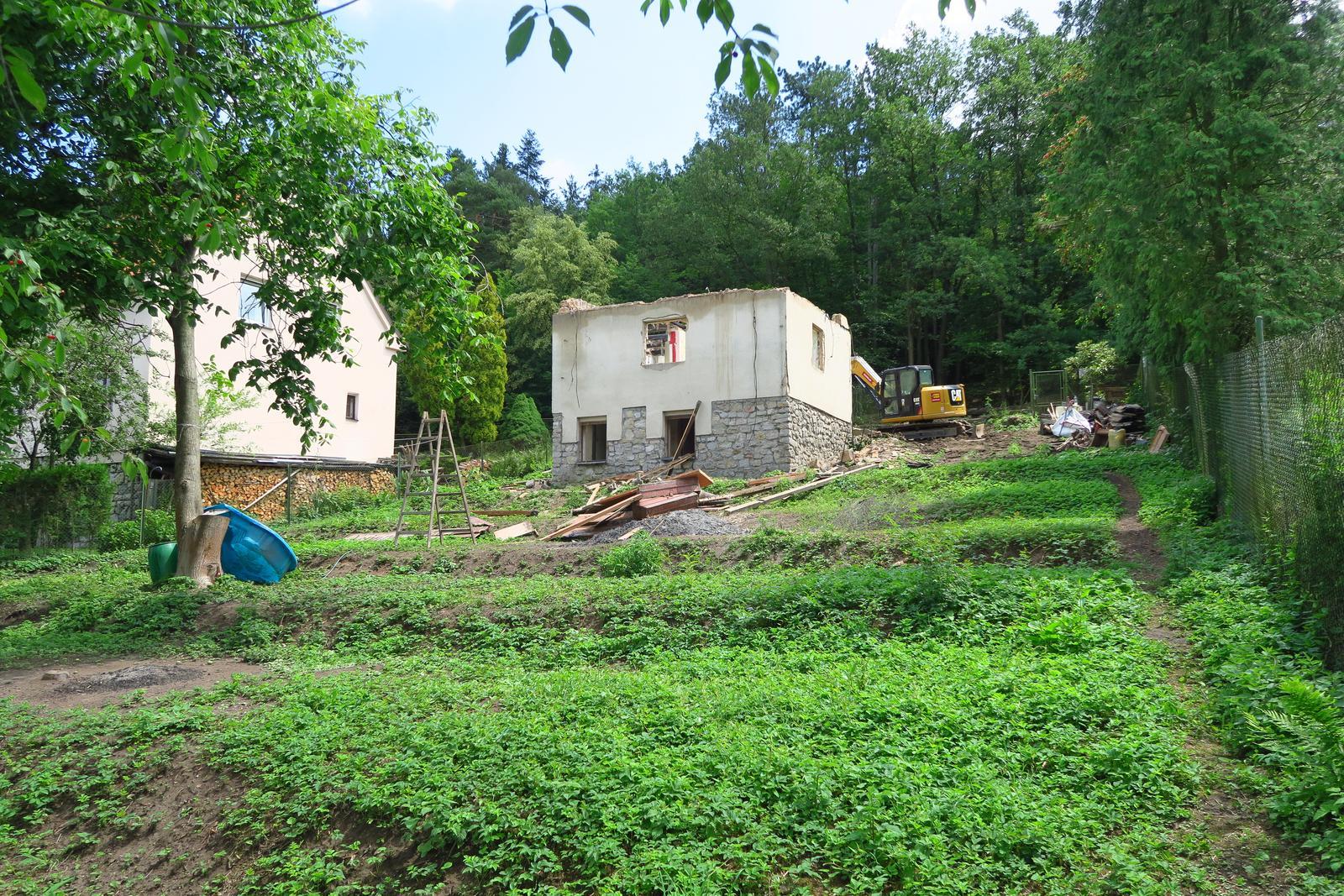 Stavba našeho bungalovu ve svahu - Obrázek č. 9