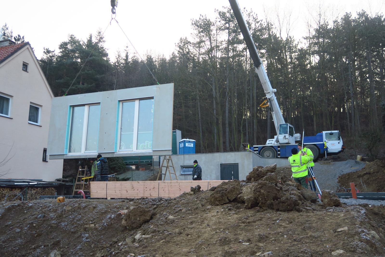 Stavba našeho bungalovu ve svahu - Obrázek č. 38
