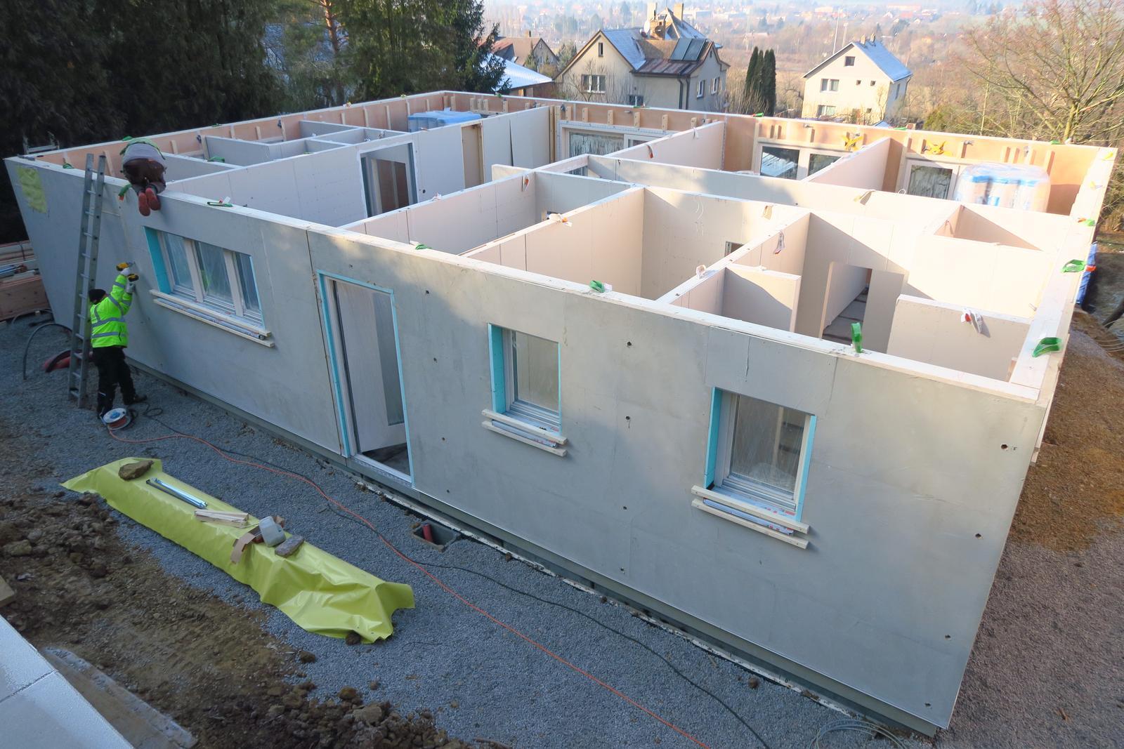 Stavba našeho bungalovu ve svahu - Obrázek č. 42