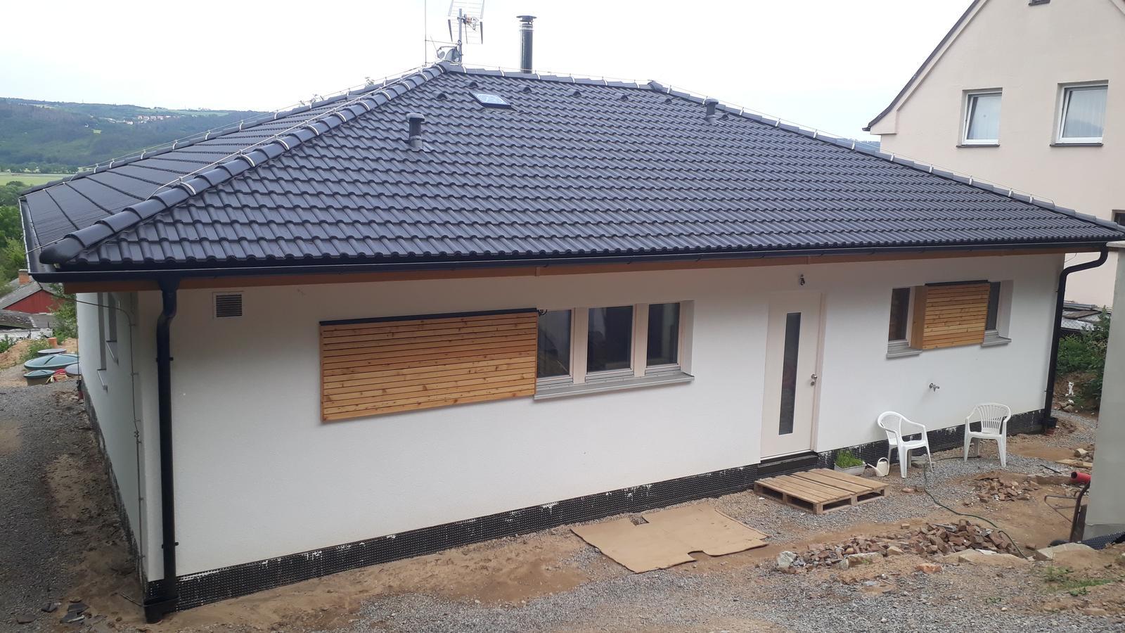 Stavba našeho bungalovu ve svahu - Obrázek č. 47