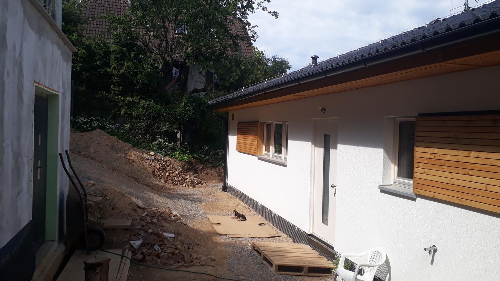 Stavba našeho bungalovu ve svahu - Obrázek č. 49