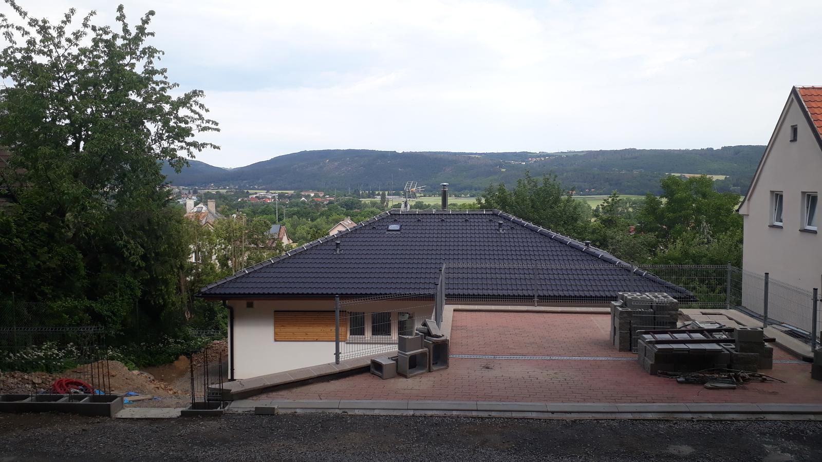 Stavba našeho bungalovu ve svahu - Obrázek č. 50