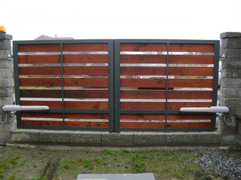 branyposuvne - Krídlové brány