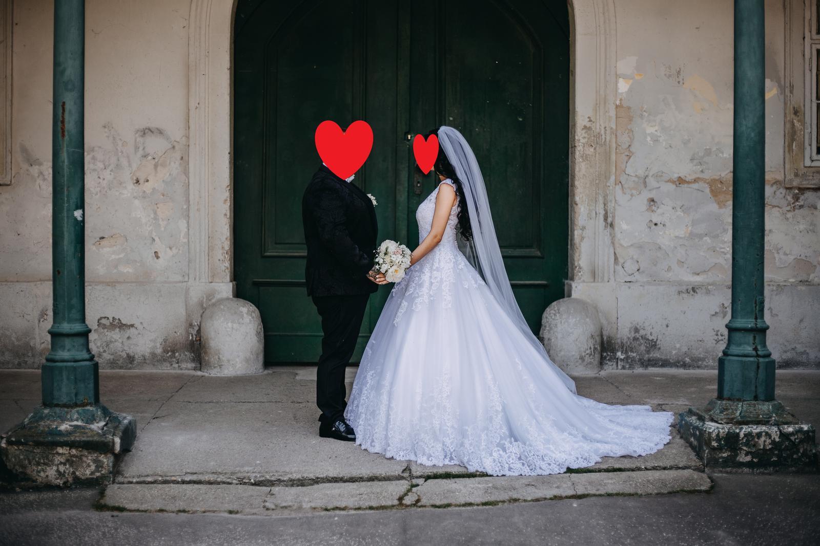 svadobné šaty zo Zoya wedding center - Obrázok č. 1